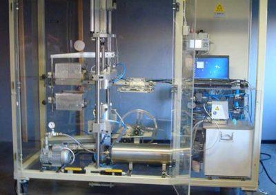 Themoformeuse De Laboratoire De Gobelet En Pla par ALM Industry à Courcelles en Belgique