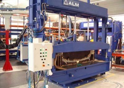 Presse De Moulage Par Compression De Pare Chocs par ALM Industry à Courcelles en Belgique