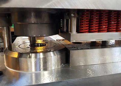 Outillage De Découpe De Pots Catalytique Pour Échappement par ALM Industry à Courcelles en Belgique
