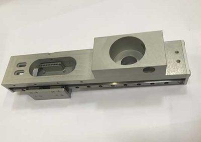 Pièce Fraisé En Aluminium Anodisé par ALM Industry à Courcelles en Belgique