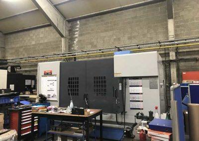 Centre D'Usinage Mazak Vtc 200C Xyz 1600 X 510 X 510 Broche 10 000 Tours Et Pendulaires, 24 Outils par ALM Industry à Courcelles en Belgique